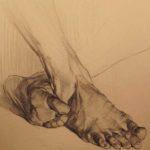 чешут ногу 5