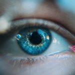 чешется левый глаз 7