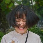 Девушка из Азии чихнула в пятницу