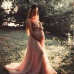 Беременная в длинном платье