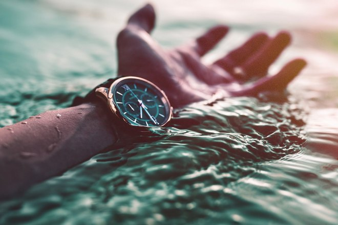 Водостойкие часы