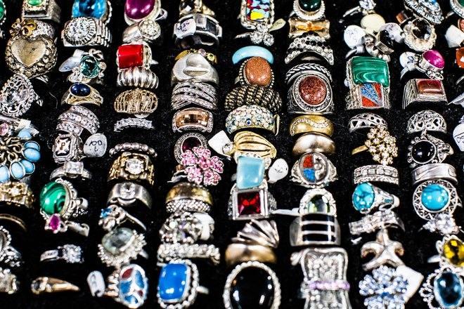 Кольца с разными камнями