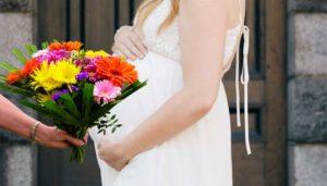 букет для беременной слева