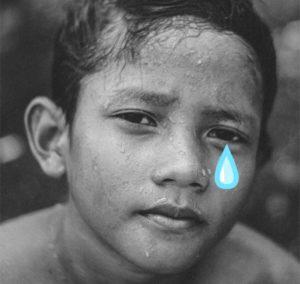 ребенок плачет 2