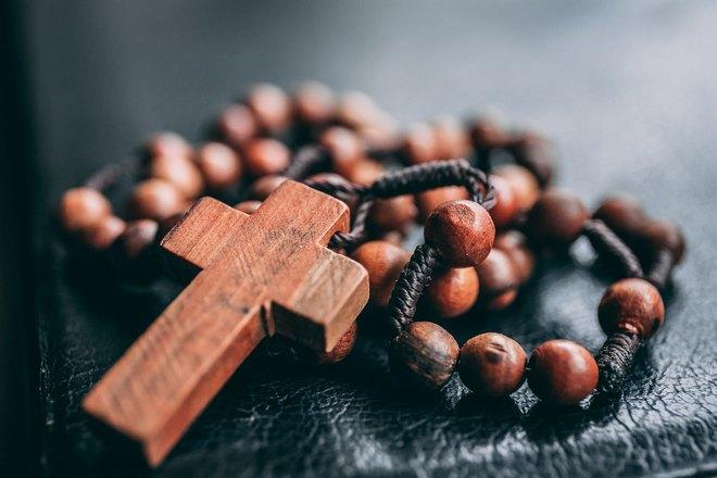 Крестик из дерева