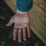 правая рука у мужчины