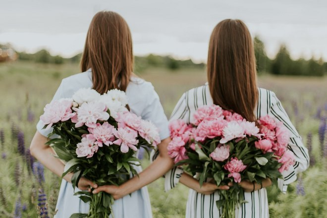 Приснились девочки на свадьбе