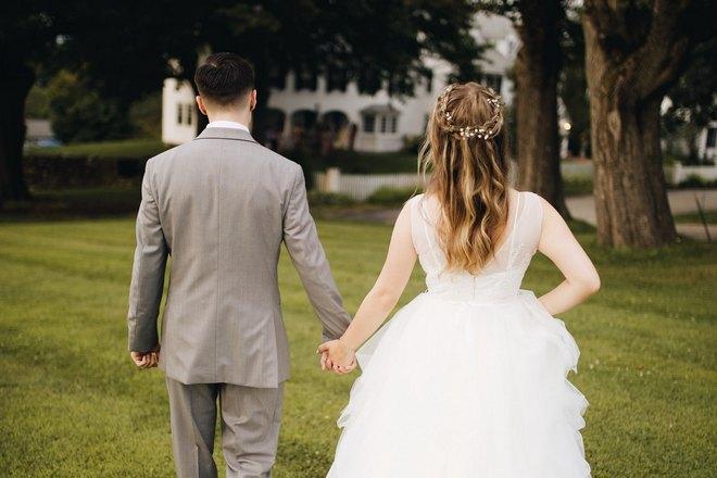 Снится свадьба друзей