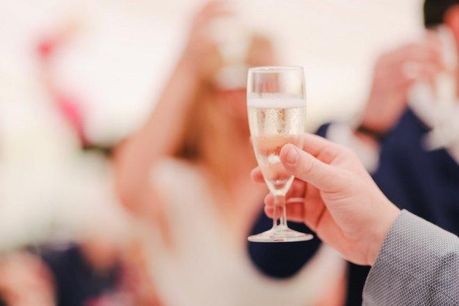 Снится свадебный тост
