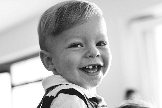Снится, что у мальчика выпало несколько зубов