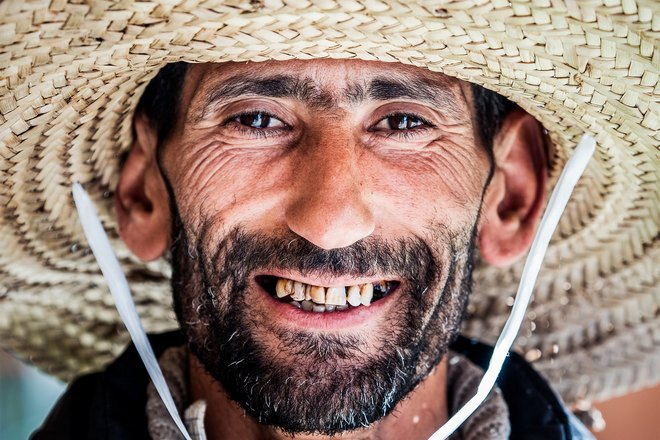 Снится бородатый мужчина с выпавшим зубом