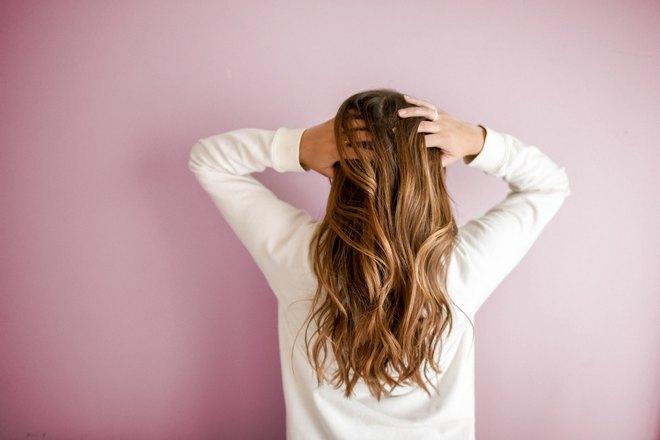 Снится, что девушка распустила волосы