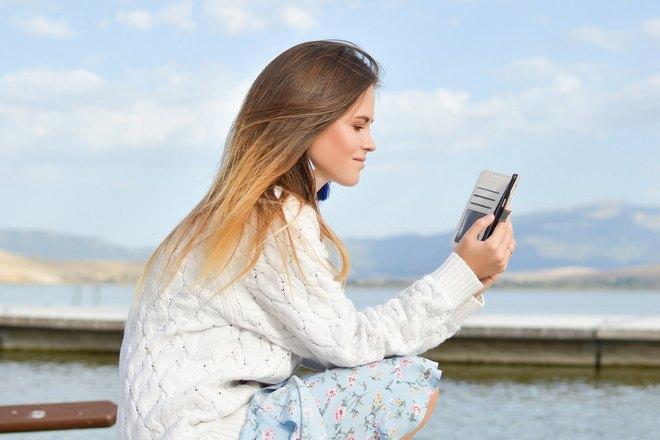Приснилась длинноволосая девушка с телефоном