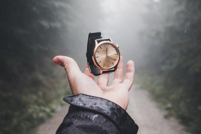 Подброшенные часы