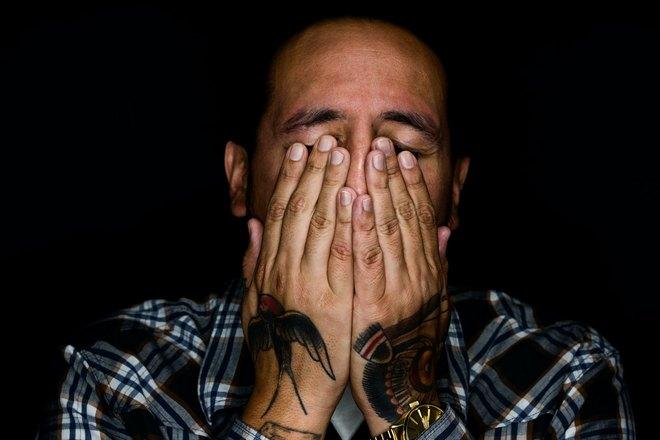 Снится плачущий мужчина