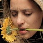 Сон о плачущей девушке с цветком