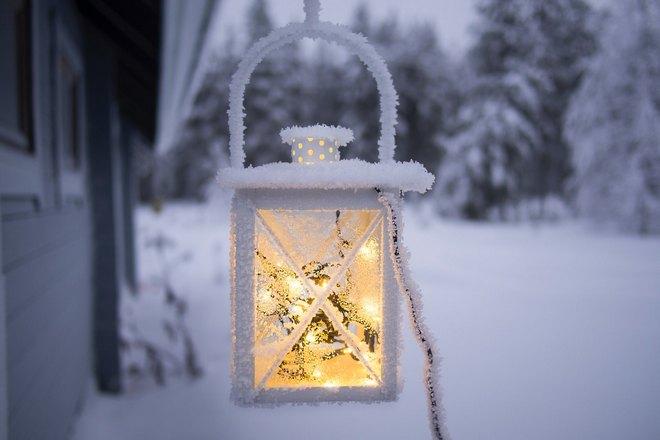 Фонарик в снегу