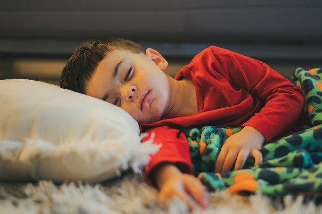 Сон мальчика с понедельника на вторник
