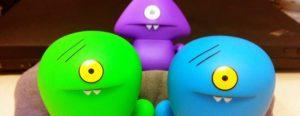 червяки игрушки смотрят на тебя