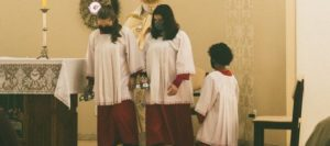 монахини на службе