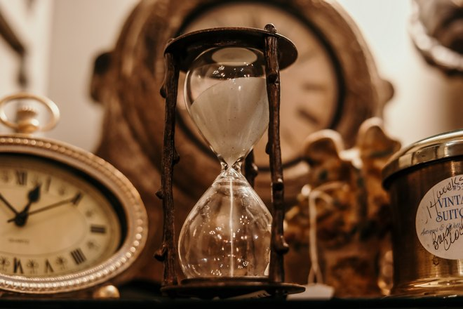 Настенные и песочные часы