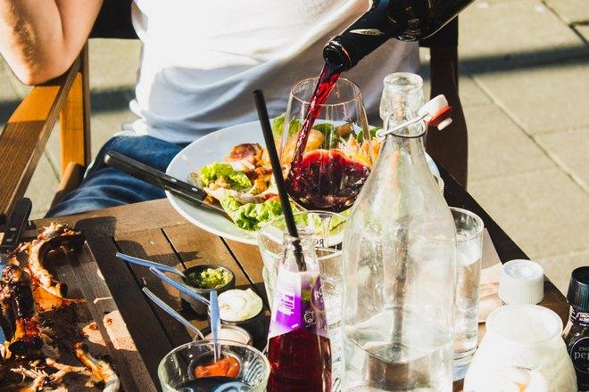 Трапеза с вином