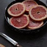 Нож и грейпфрут