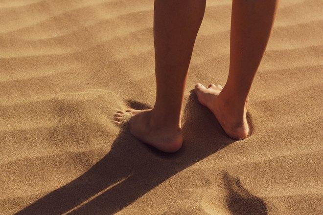 Ступни зачесались в песке