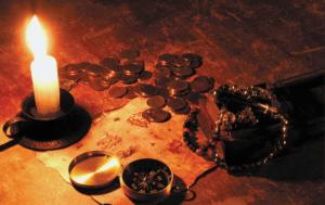 Свечка и монеты