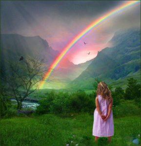 девочка смотрит на небо