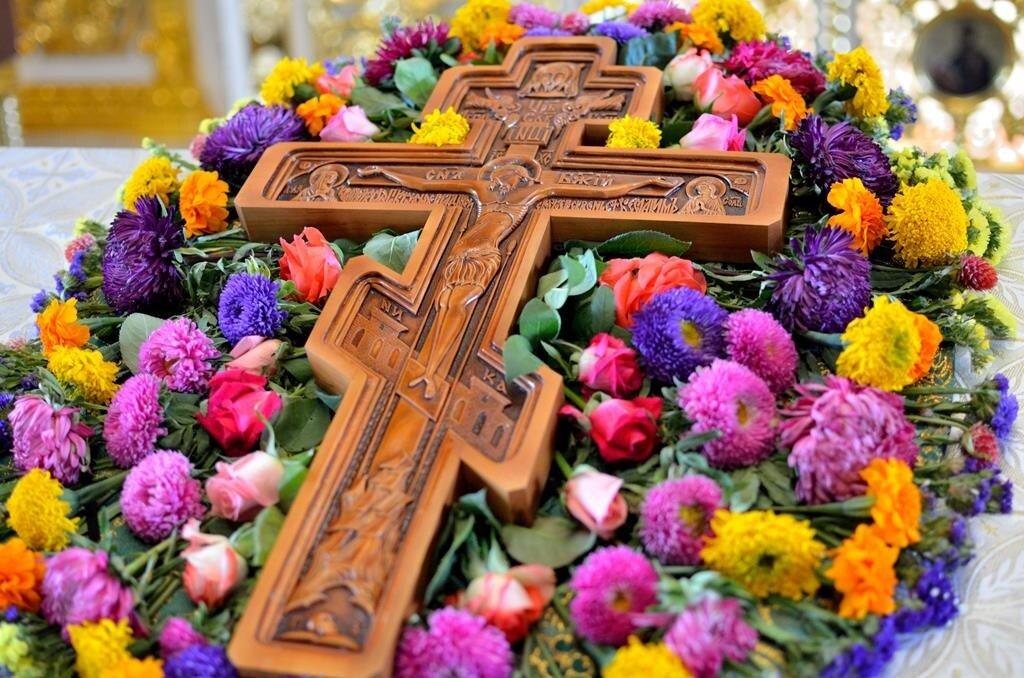 коричневый крест