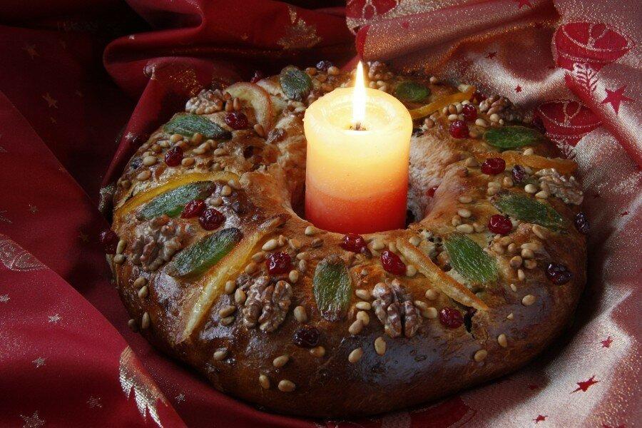 пирог со свечой