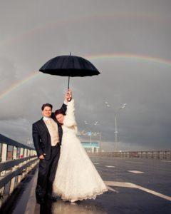 свадьба молодых дождь