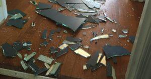 уборка разбитых зеркал